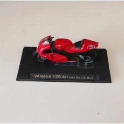 Yamaha YZR-M1 Max Biaggi...